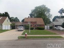 33 Petal Lane, Hicksville, NY 11801 - MLS#: 3195382