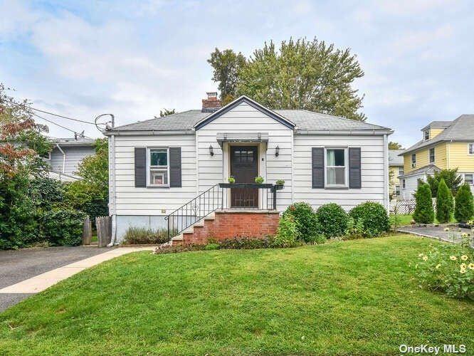 3 Virginia Avenue, Port Washington, NY 11050 - MLS#: 3325382