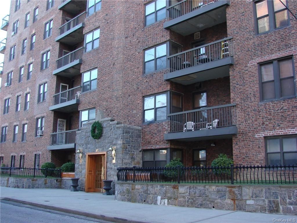30 Clinton Place #3A, New Rochelle, NY 10801 - #: H6144383