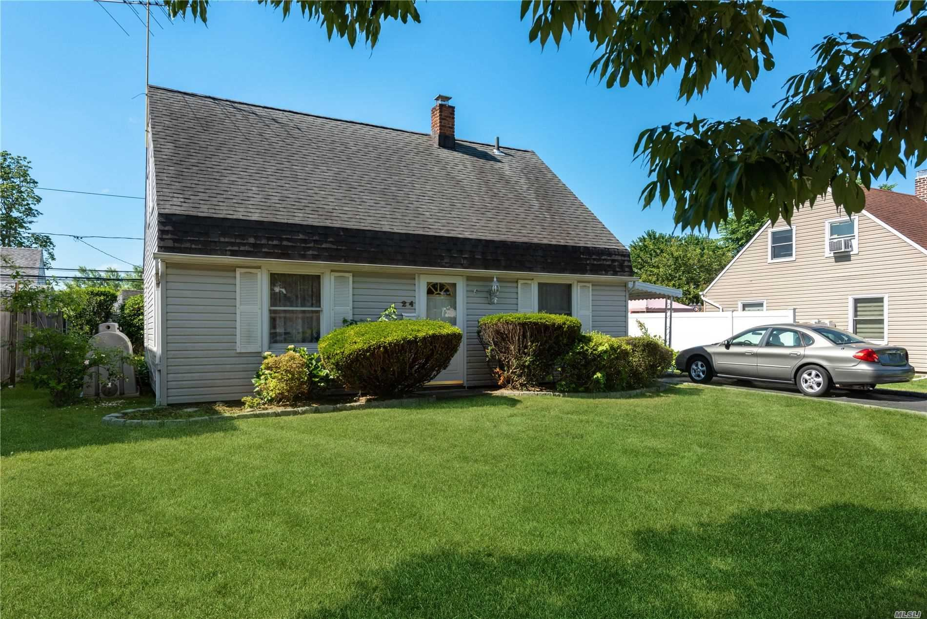 24 Rolling Lane, Levittown, NY 11756 - MLS#: 3225384