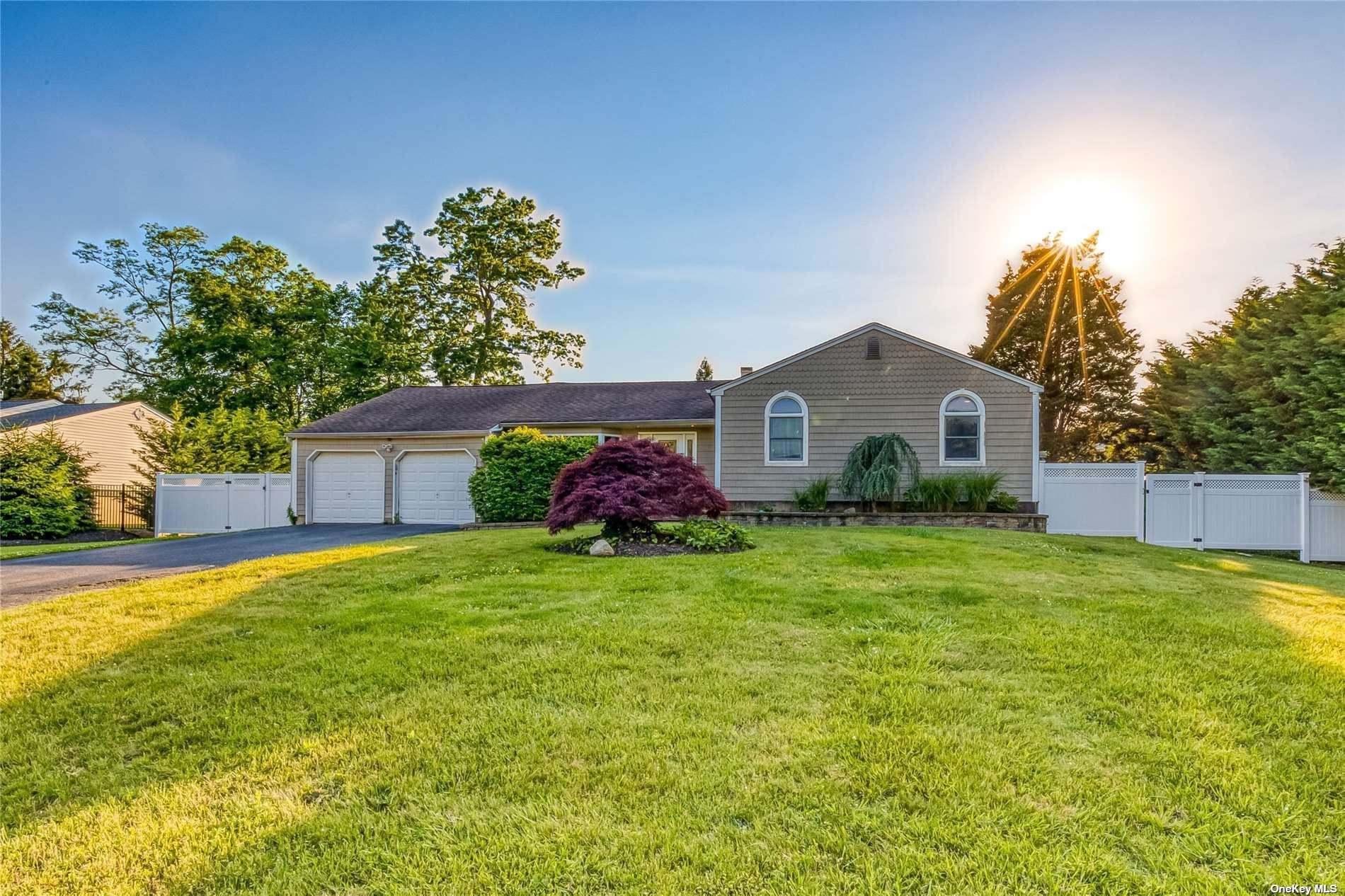 17 Tower Place, Smithtown, NY 11787 - MLS#: 3321385