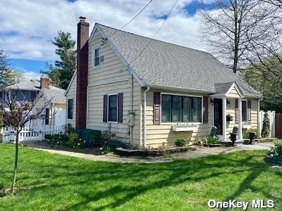 Photo of 891 Oyster Bay Road, East Norwich, NY 11732 (MLS # 3305386)