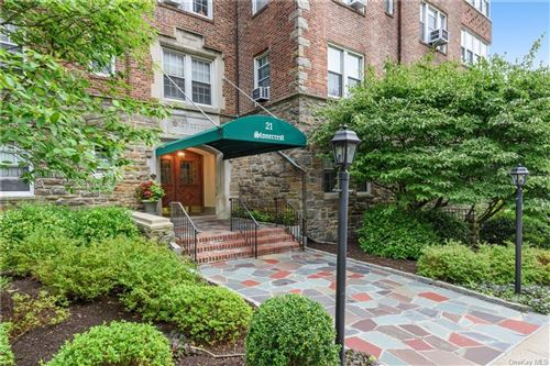 Photo of 21 N Chatsworth Avenue #5K, Larchmont, NY 10538 (MLS # H6057387)