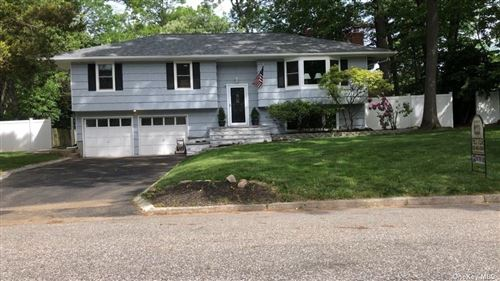 Photo of 11 Rolling Road, Miller Place, NY 11764 (MLS # 3297388)