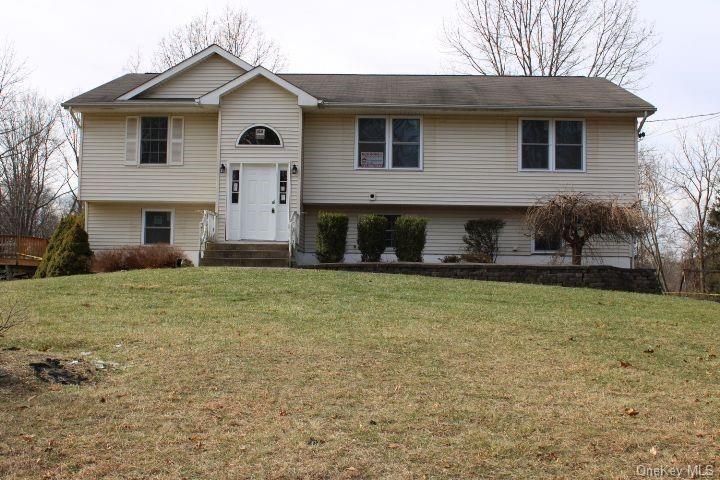 Photo of 239 Mountain View Avenue, Wallkill, NY 12589 (MLS # H6089390)