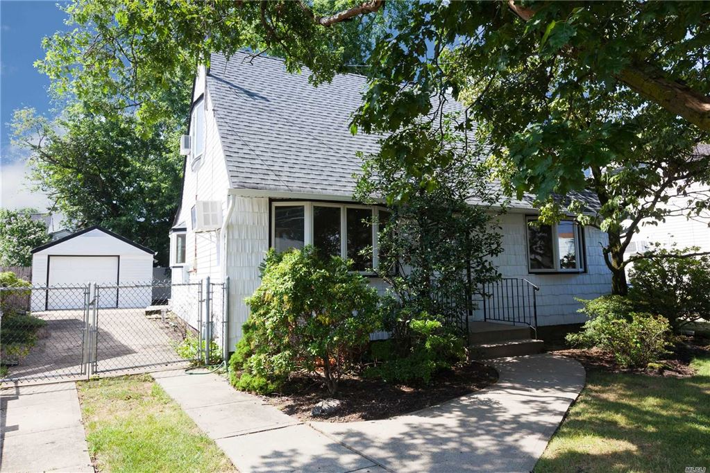208 Lake Street, Oceanside, NY 11572 - MLS#: 3154391