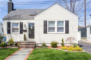 Photo of 28 Garden Ave, Carle Place, NY 11514 (MLS # 3120394)