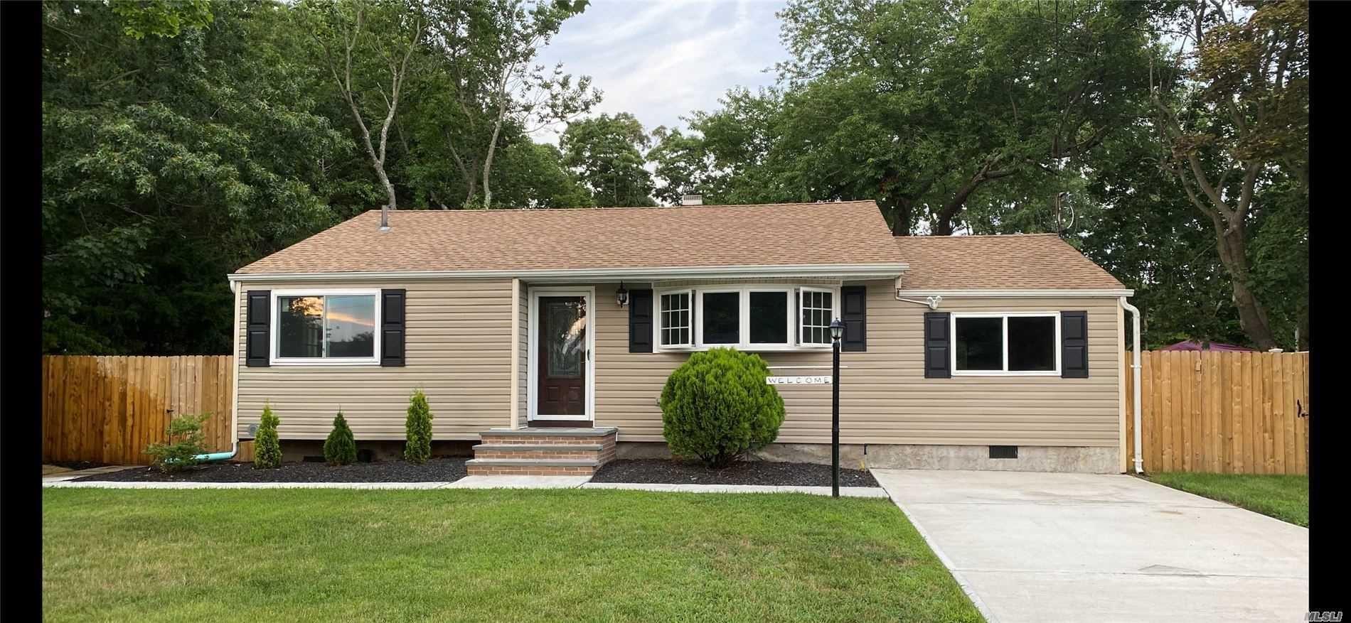 21 Sarah Drive, Lake Grove, NY 11755 - MLS#: 3243396