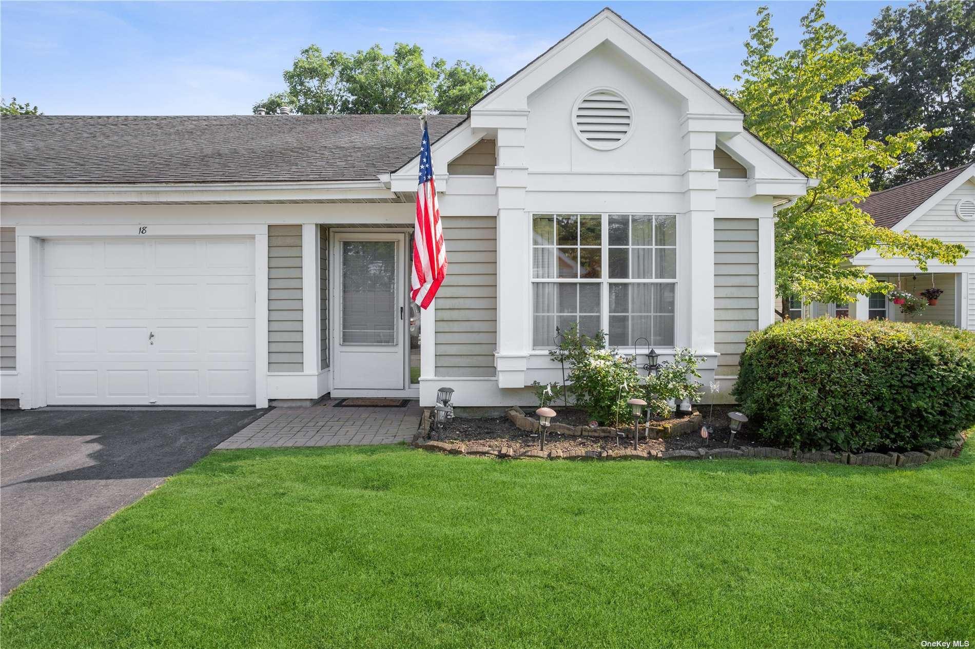 18 Douglaston #18, Ridge, NY 11961 - MLS#: 3345396