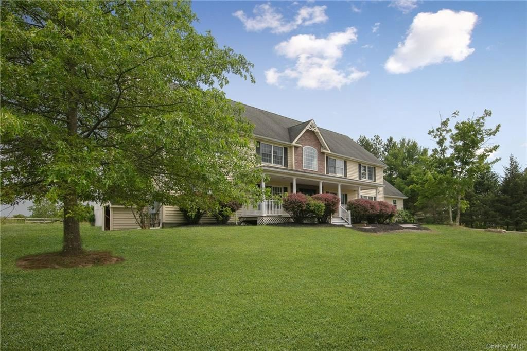 Photo of 107 Dunthorne Drive, Bloomingburg, NY 12721 (MLS # H4995396)