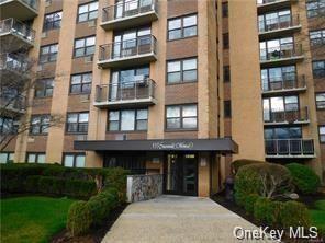 Photo of 155 Ferris Avenue #11A, White Plains, NY 10603 (MLS # H6048397)