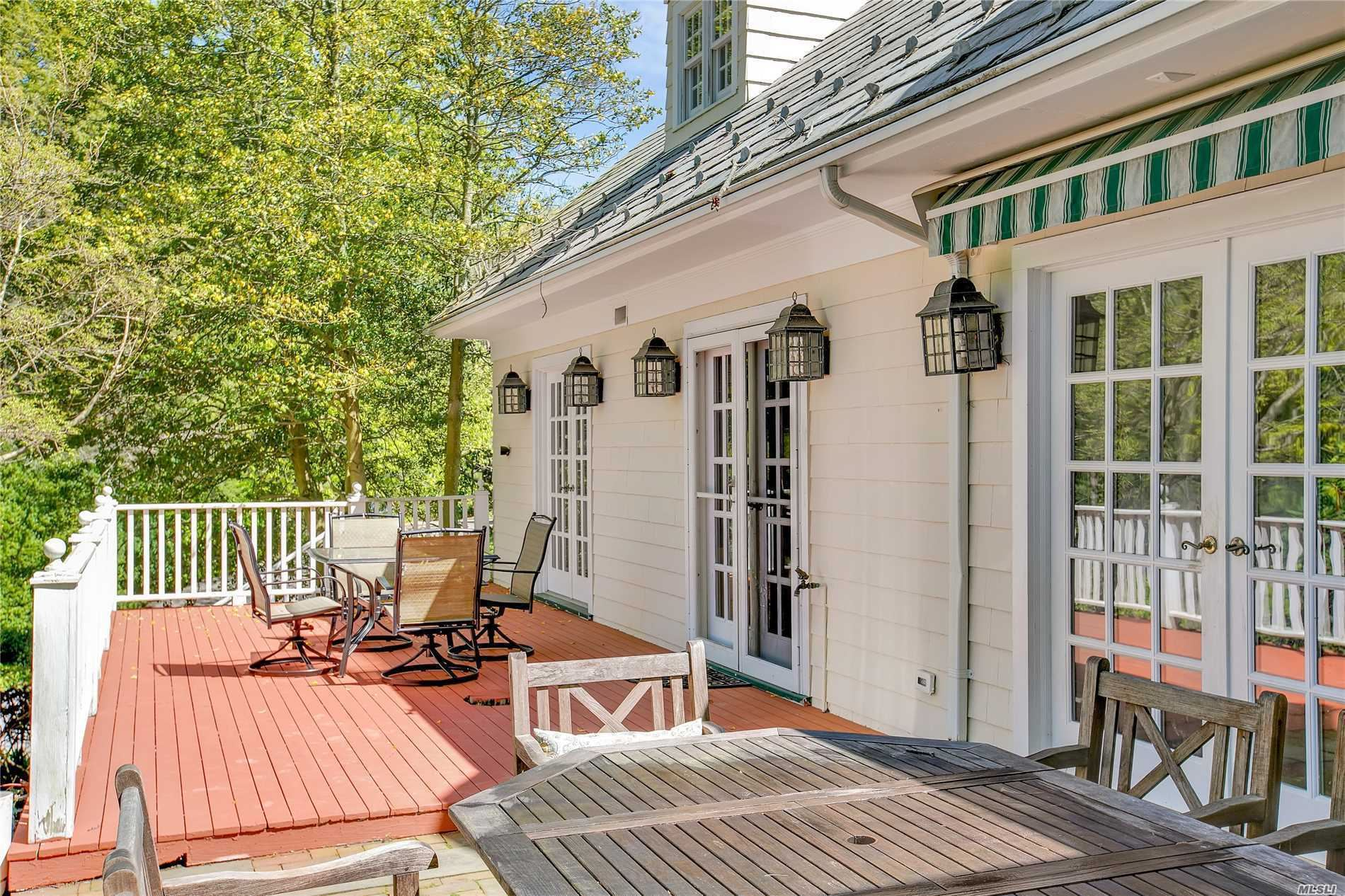 Photo of 202 Cleft Road, Mill Neck, NY 11765 (MLS # 3126398)