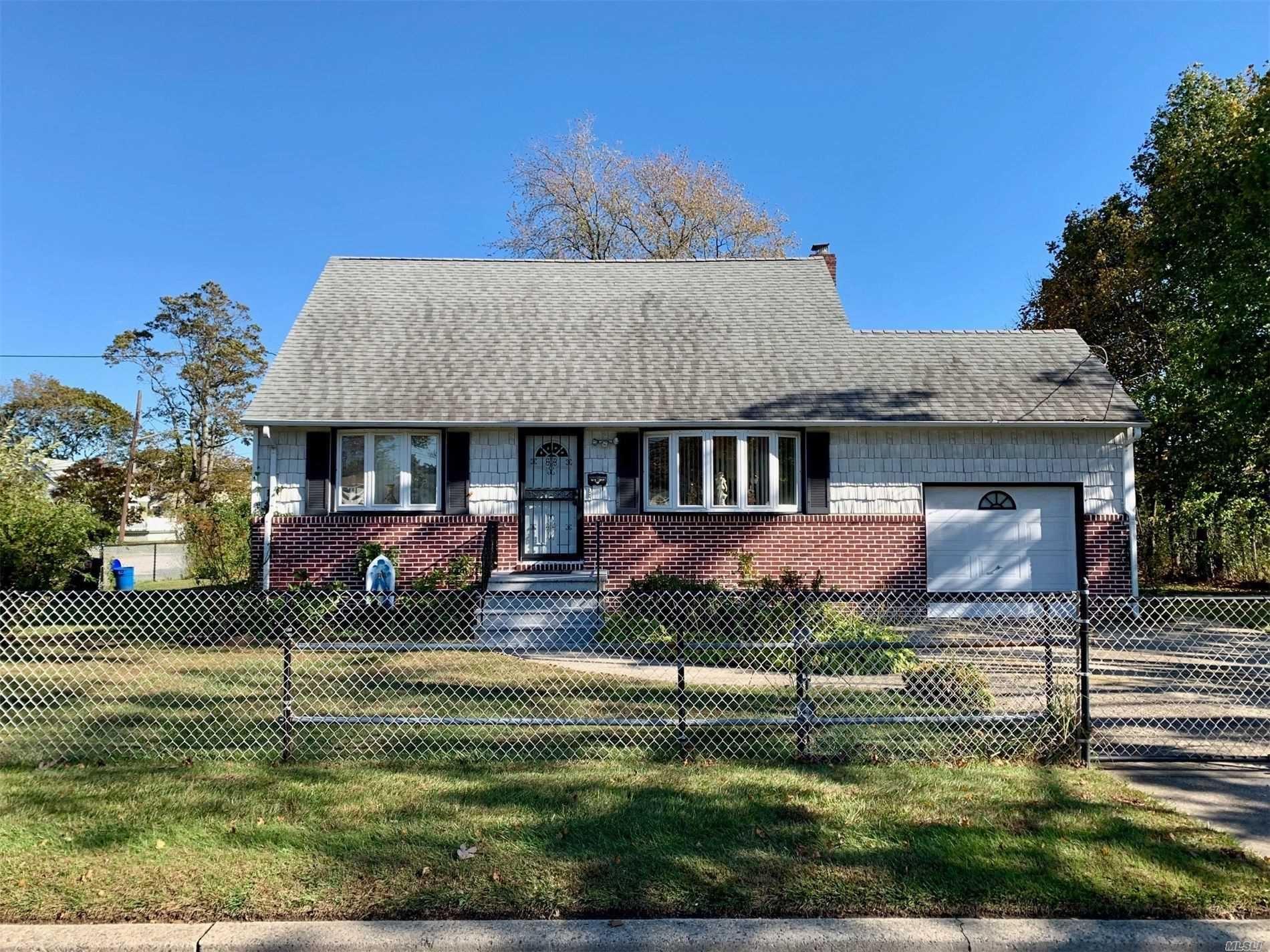 1011 Catskill Avenue, Lindenhurst, NY 11757 - MLS#: 3209398