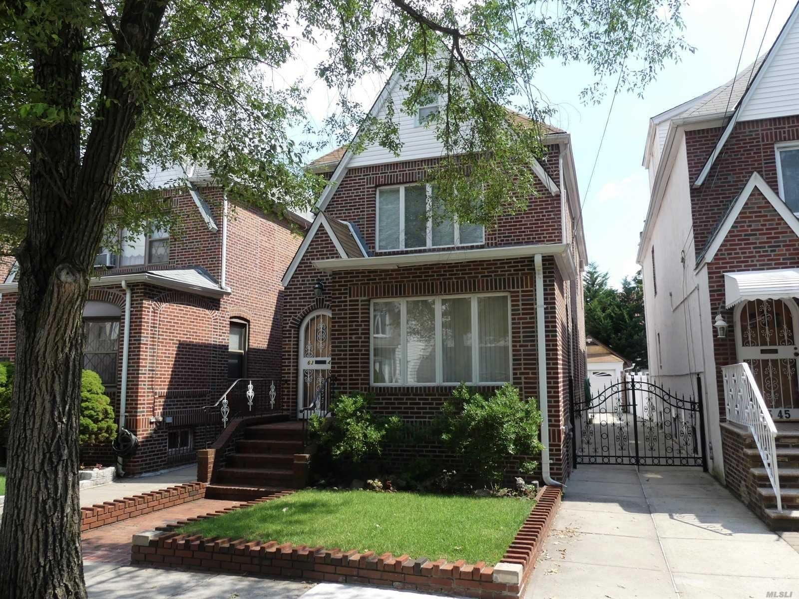 63-43 84th St, Middle Village, NY 11379 - MLS#: 3237398