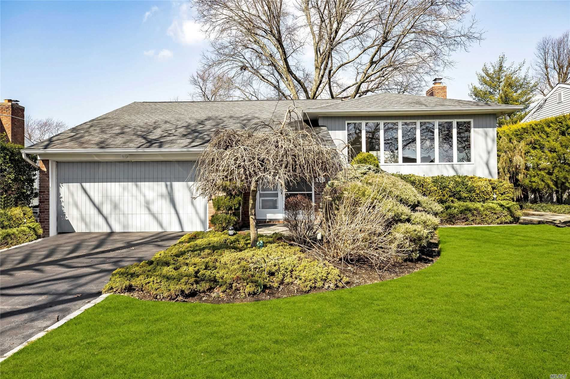 373 Old Courthouse Road, Manhasset Hills, NY 11040 - MLS#: 3208401