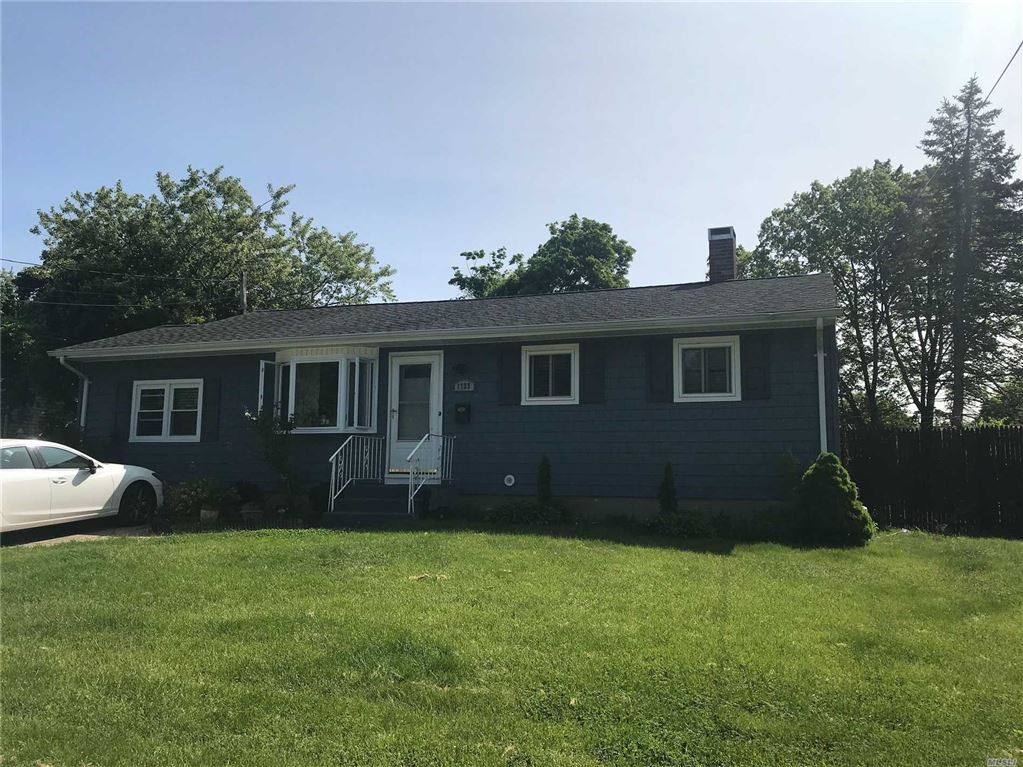 1725 Pine Acres Boulevard, Bay Shore, NY 11706 - MLS#: 3131404