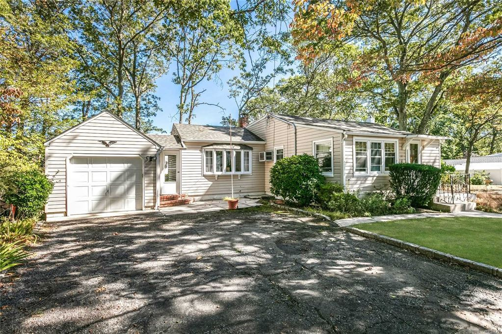 37 Forest Avenue, Lake Grove, NY 11755 - MLS#: 3171404