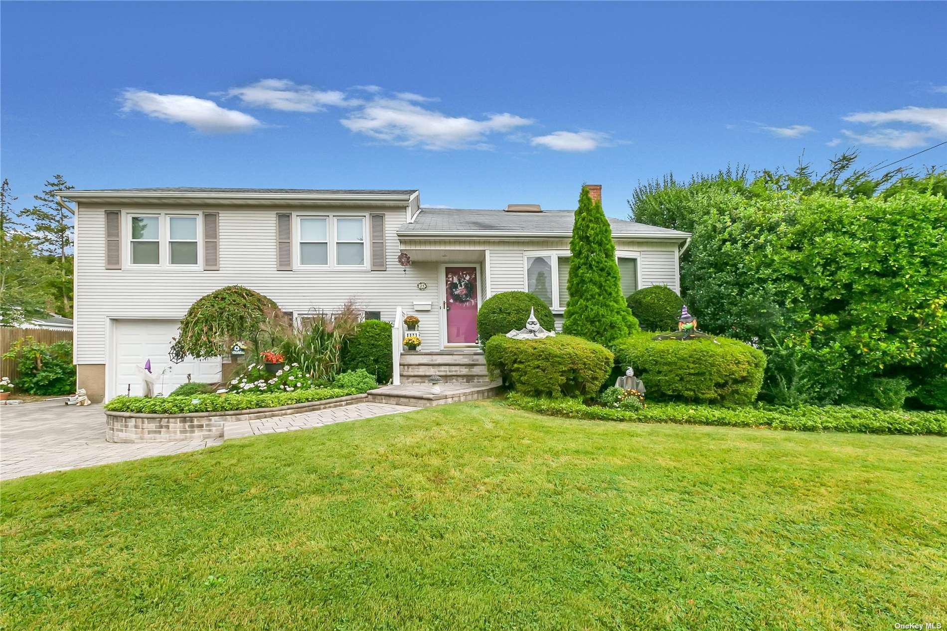 25 Pinetree Drive, Farmingdale, NY 11735 - MLS#: 3351406