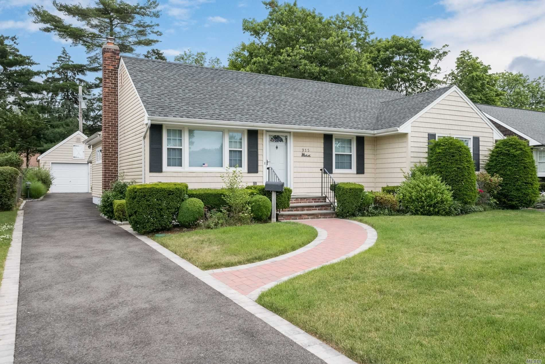 915 Annette Dr, Wantagh, NY 11793 - MLS#: 3226408