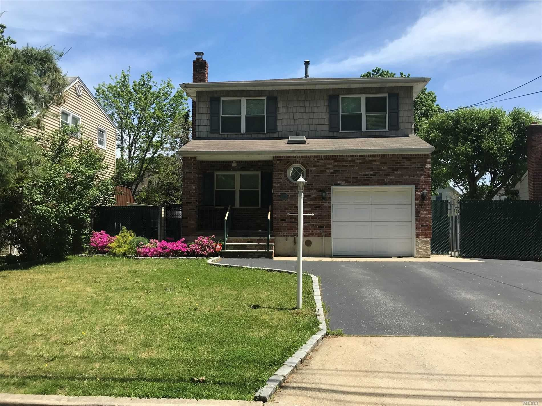 20 Calhoun Street, North Babylon, NY 11703 - MLS#: 3212409