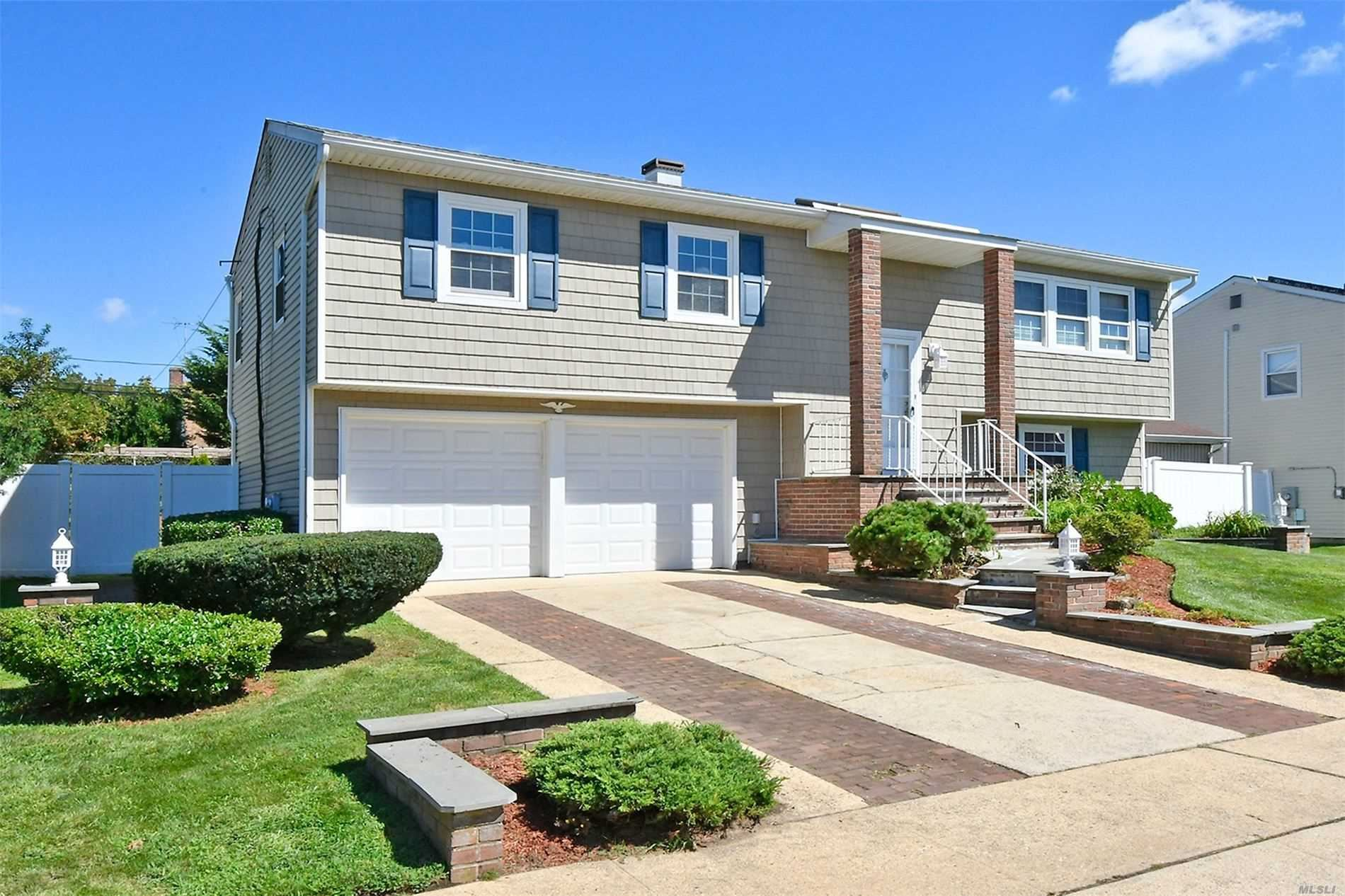 275 N Oak Street, Massapequa, NY 11758 - MLS#: 3245411