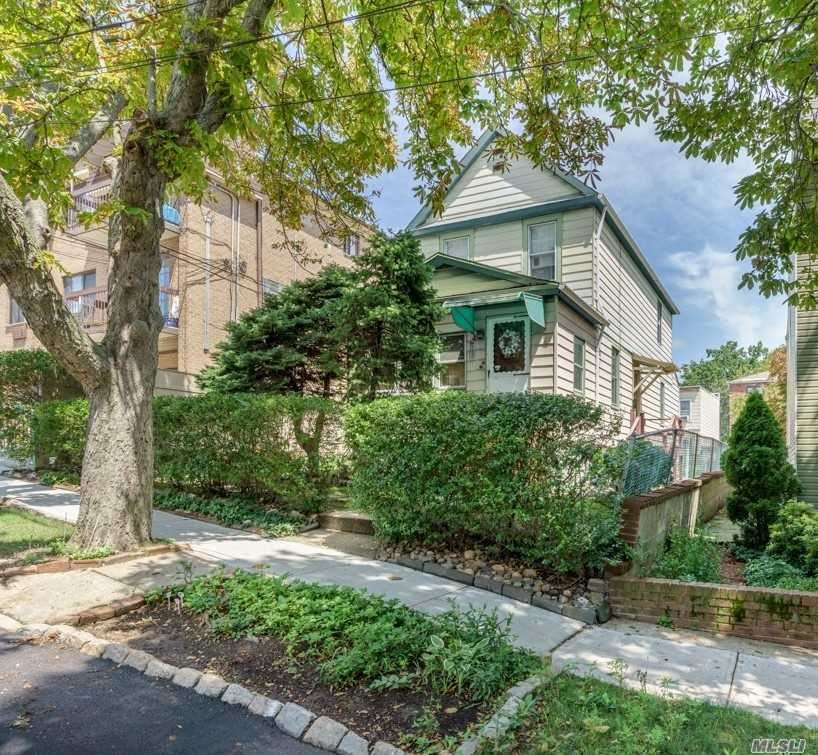 60-25 83rd Place, Middle Village, NY 11379 - MLS#: 3268411
