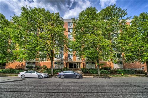 Photo of 14 Nosband Avenue #3B, White Plains, NY 10605 (MLS # H6058413)
