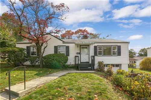 Photo of 1 Hilldale Place, White Plains, NY 10604 (MLS # H6078413)