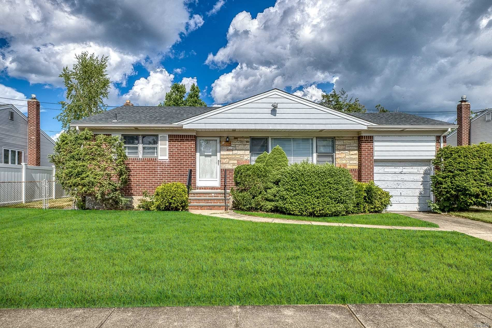 21 Lucille Drive, Syosset, NY 11791 - MLS#: 3229413