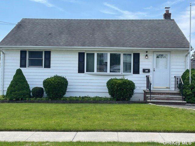 40 Montana Street, Hicksville, NY 11801 - MLS#: 3314413