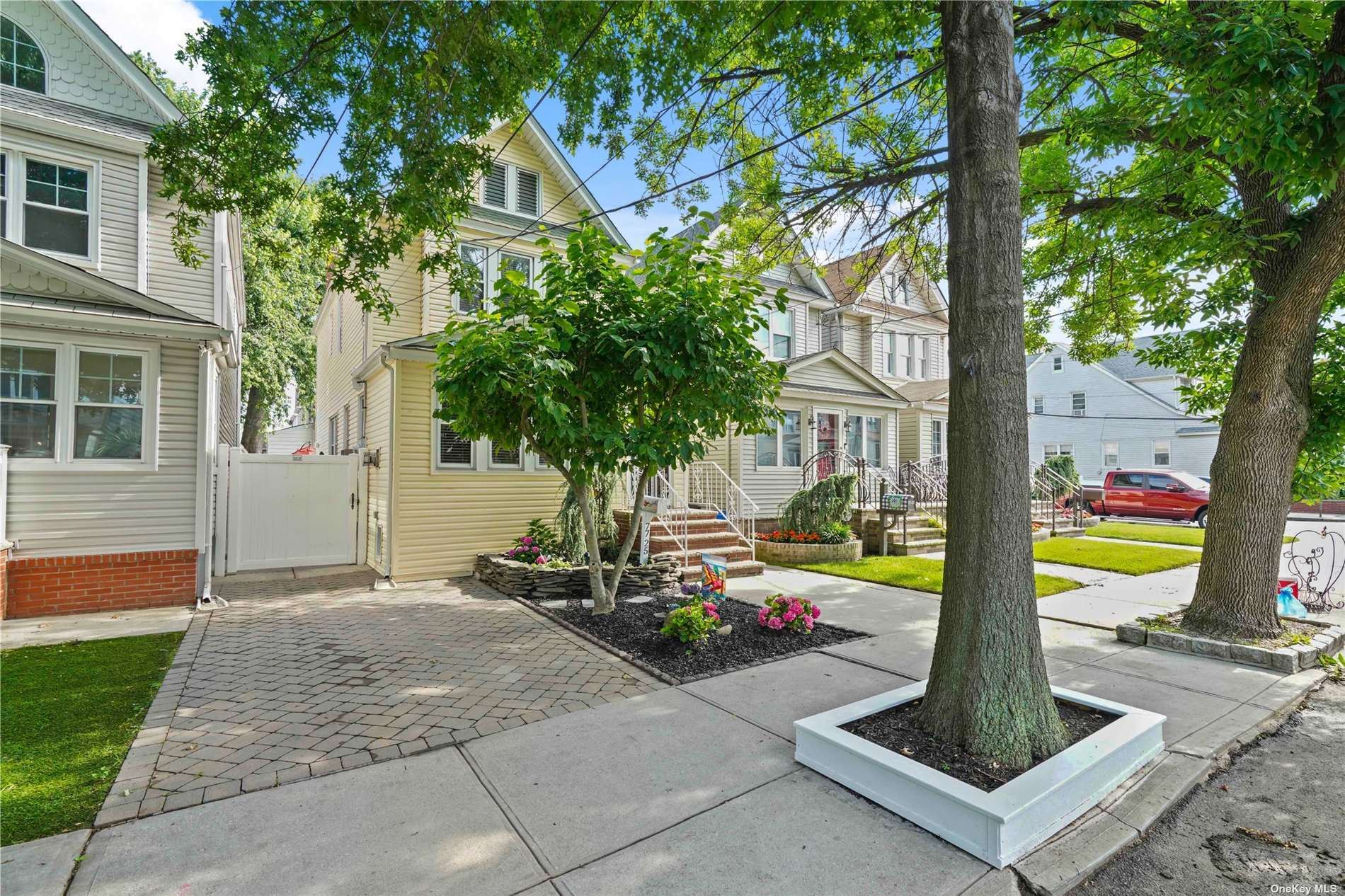 77-25 66 Road, Middle Village, NY 11379 - MLS#: 3327413