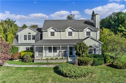 Photo of 8 Hollywood Place, Granite Springs, NY 10527 (MLS # H6075415)