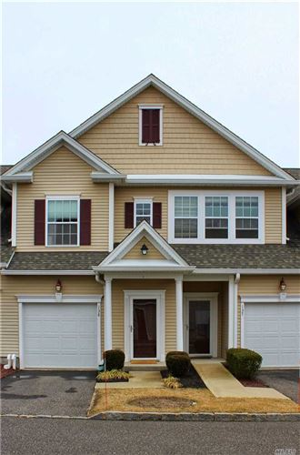 Photo of 138 Wildwood Cir, Holtsville, NY 11742 (MLS # 3213421)