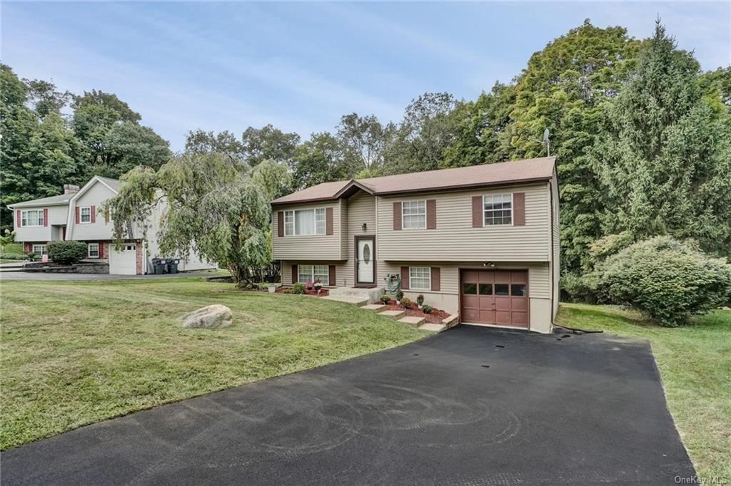 Photo of 68 Crane Road, Middletown, NY 10941 (MLS # H6068421)