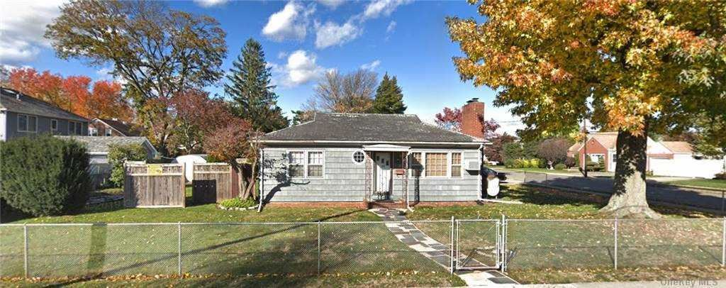 3 Chestnut Street, Hicksville, NY 11801 - MLS#: 3292422