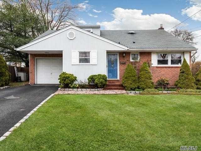 105 Glen Road, North Babylon, NY 11703 - MLS#: 3209425