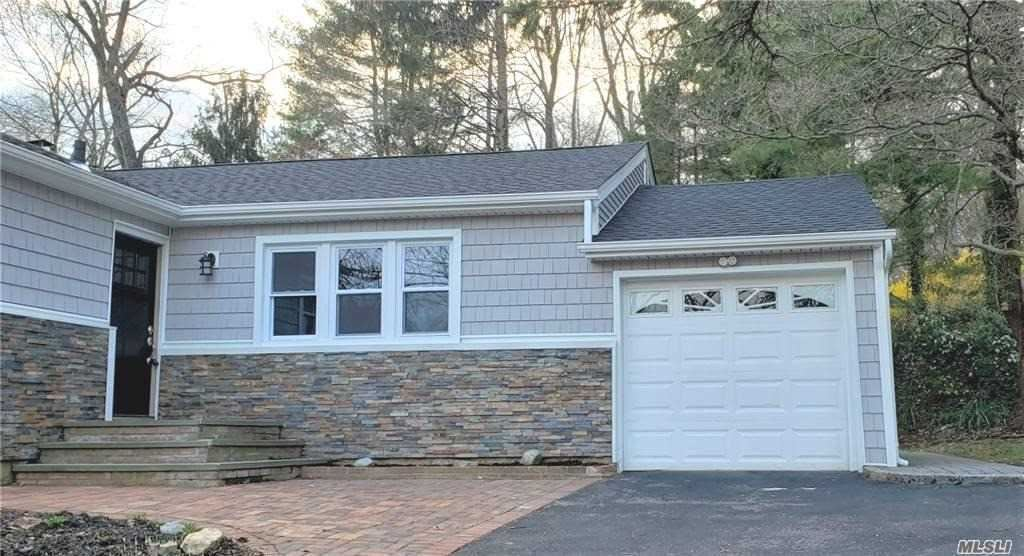 Photo of 15 Renville Ct, Mill Neck, NY 11765 (MLS # 3264425)