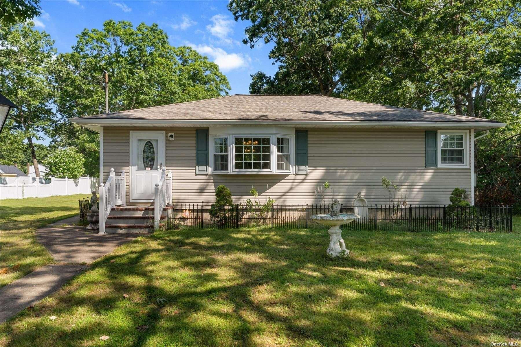 219 Colin Drive, Shirley, NY 11967 - MLS#: 3332425
