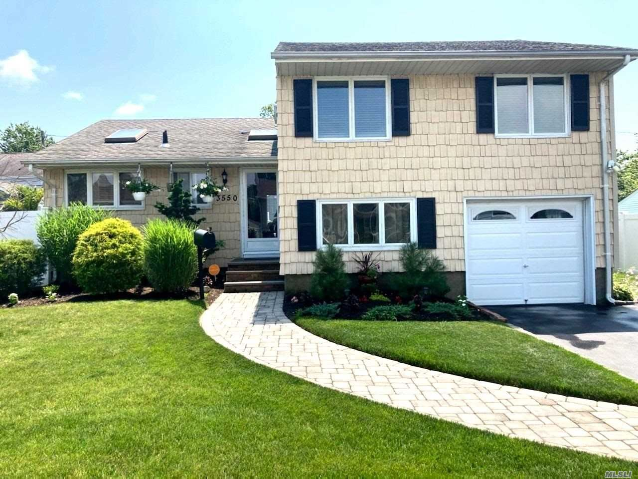 3550 Centerview Avenue, Wantagh, NY 11793 - MLS#: 3232427