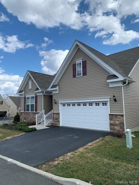 Photo of 12 Sage Court, Middletown, NY 10940 (MLS # H6104427)