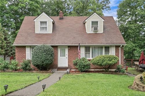 Photo of 11 Logwynn Lane, Cortlandt Manor, NY 10567 (MLS # H6127430)