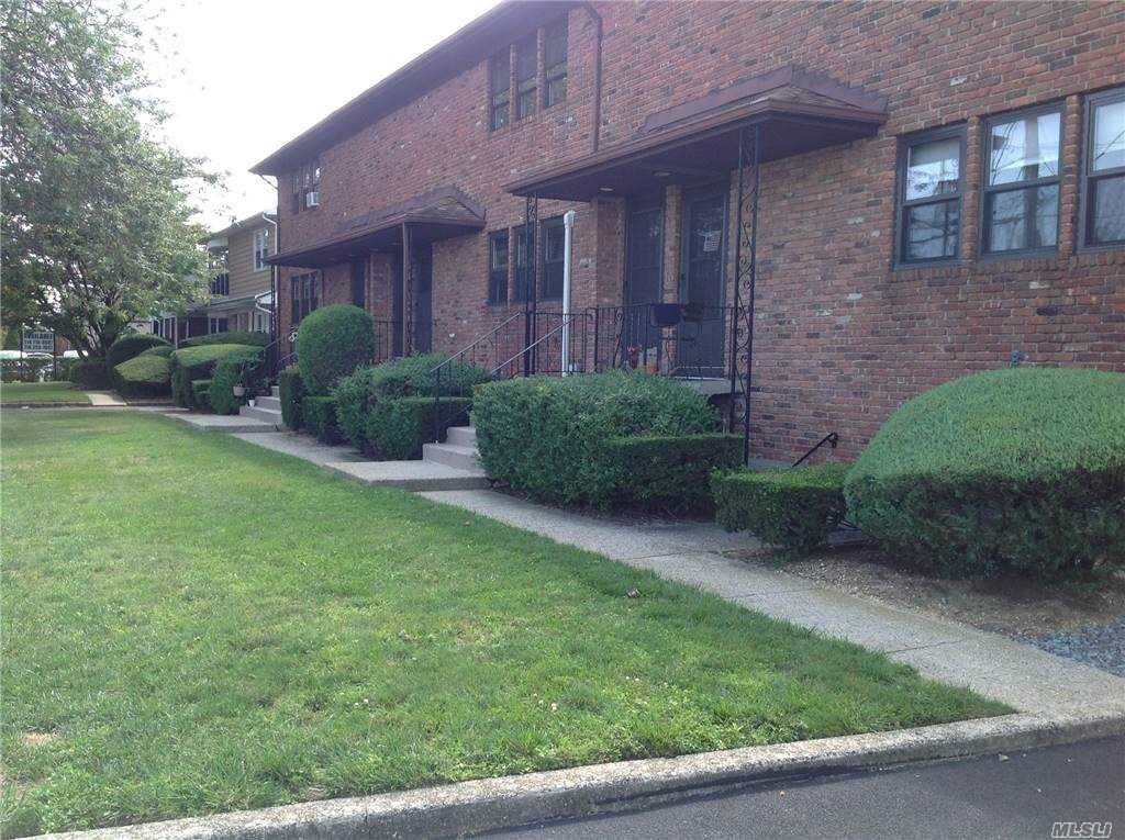 Photo of 2266 Merrick Avenue, Merrick, NY 11566 (MLS # 3253431)