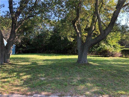 Photo of 290 Bayview Avenue, Greenport, NY 11944 (MLS # 3249434)