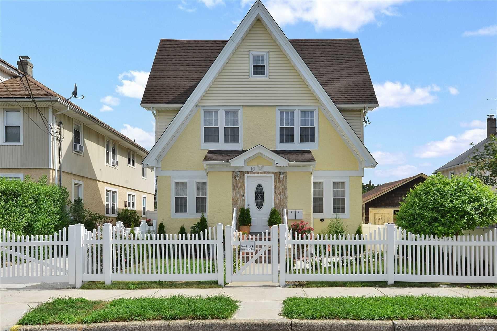 10 Van Cott Avenue, Hempstead, NY 11550 - MLS#: 3239434