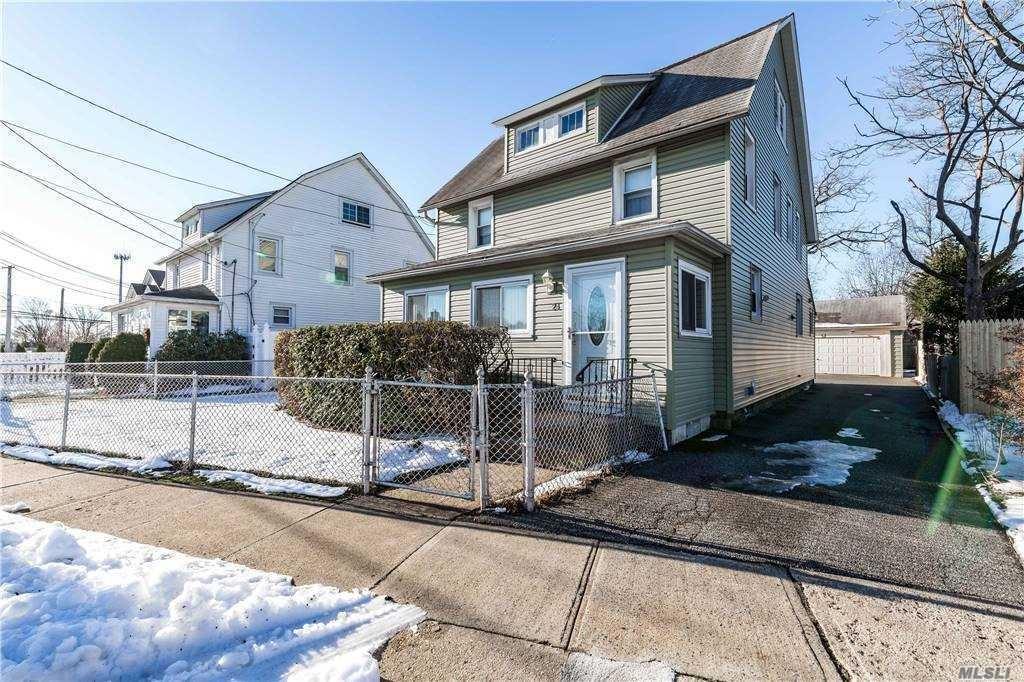 24 Raymond Street, Hicksville, NY 11801 - MLS#: 3277435