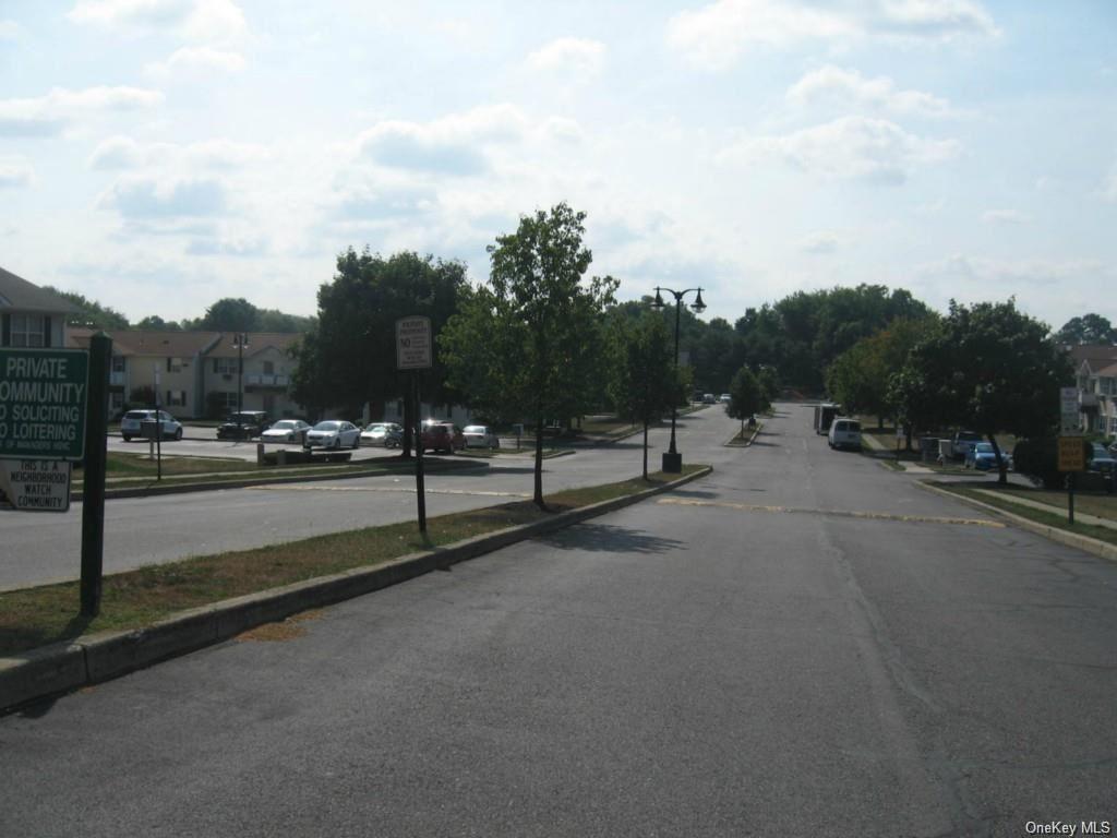 Photo of 100 Hillside Drive #B4, Middletown, NY 10941 (MLS # H6046436)