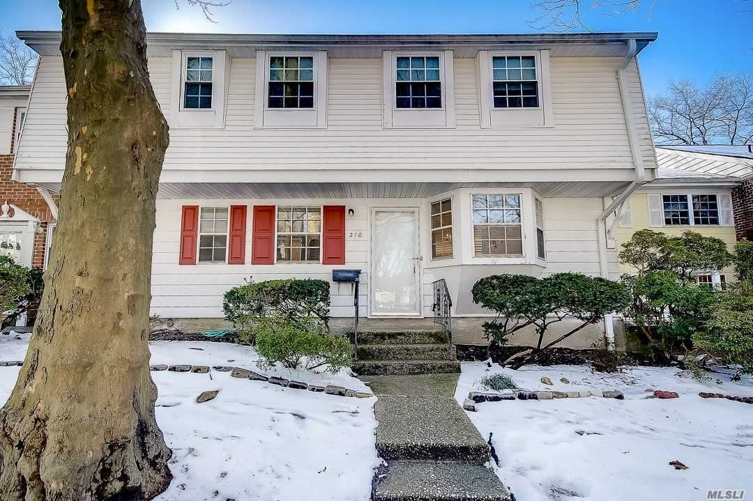 210 Towne House Vlg, Hauppauge, NY 11749 - MLS#: 3185437