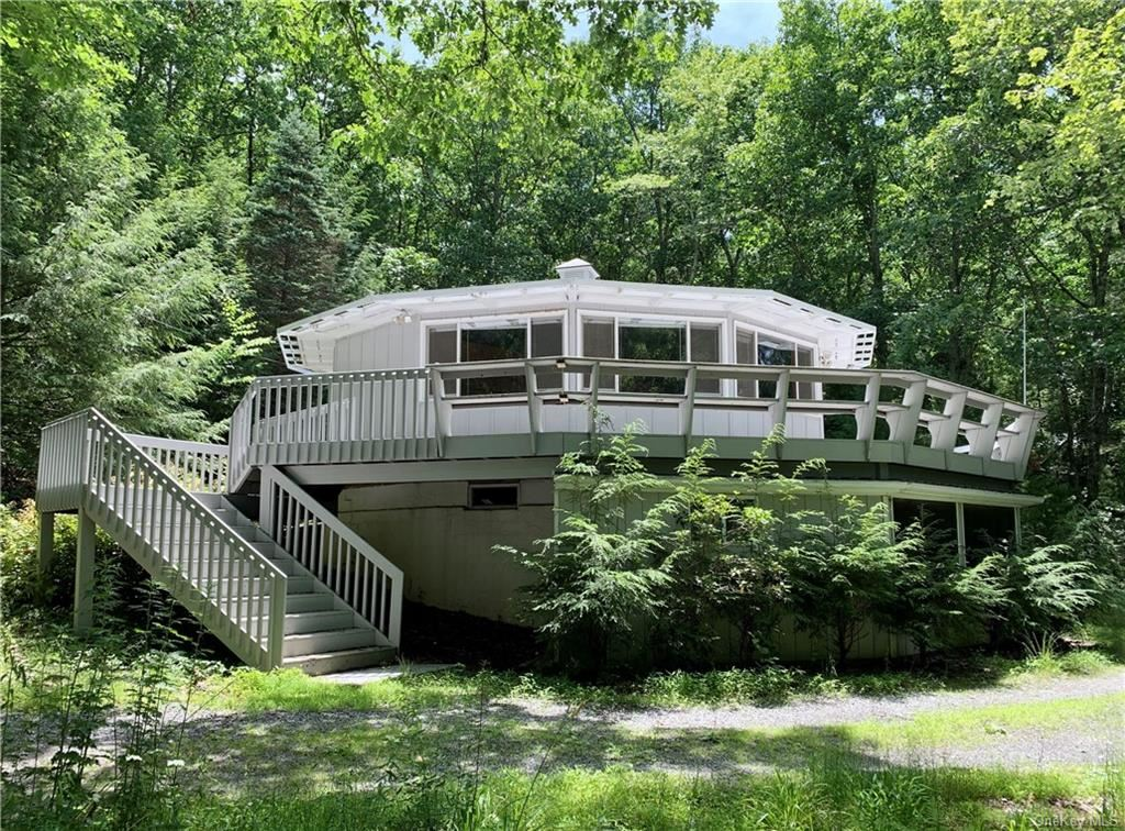 Photo of 302 Kennel Road, Westbrookville, NY 12729 (MLS # H6052439)