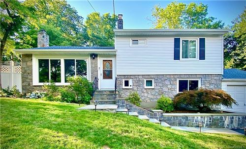 Photo of 21 Oak Ridge Drive, Mahopac, NY 10541 (MLS # H6090440)