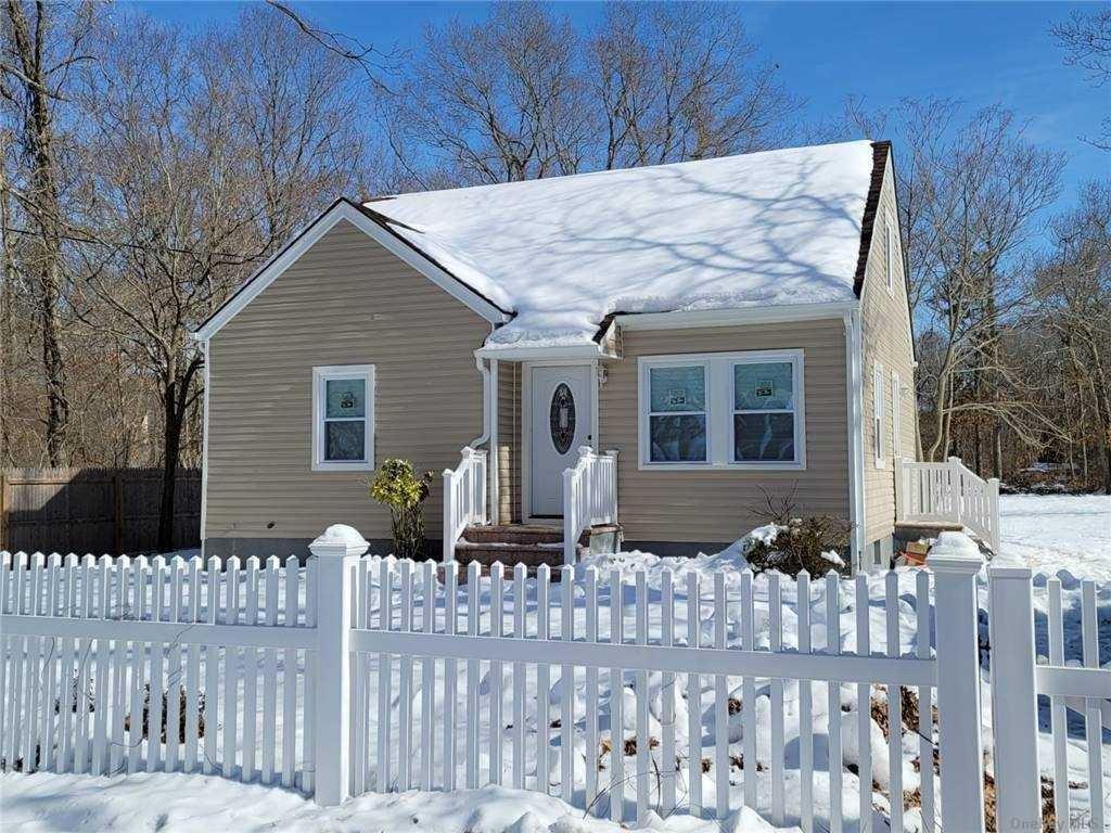 55 Wilson Avenue, Middle Island, NY 11953 - MLS#: 3289440